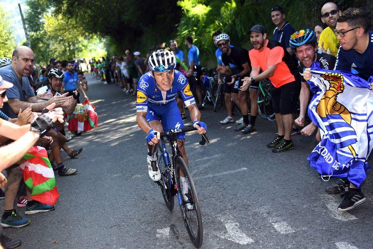 Evenepoel in 2019 op weg naar zijn eerste overwinning in een klassieker: de Clásica San Sebastián. Beeld Photo News