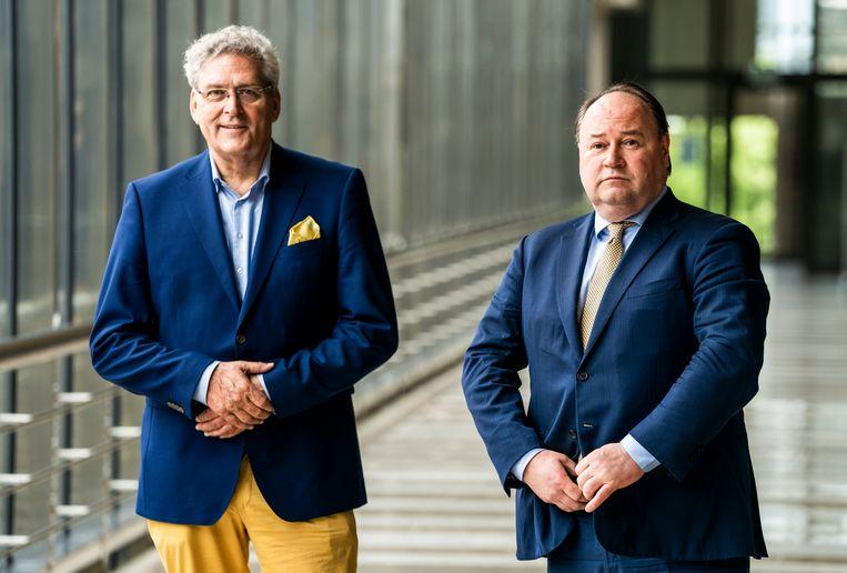 Henk Krol en Henk Otten bij de bekendmaking dat ze gaan samenwerken binnen de Partij voor de Toekomst. Dit bleek echter van korte duur. Beeld