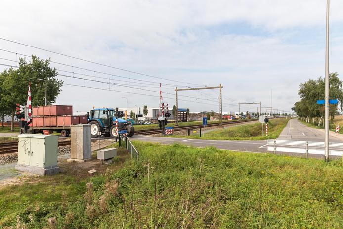 Het spoor dat door Staphorst loopt, bij de JJ Gorterlaan. Er stopt voorlopig echter geen trein in het dorp, een station is nog heel ver weg.