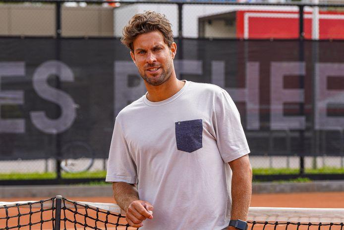 Tenniscoach Peter Lucassen gaat vanaf medio augustus aan de slag bij de tennisbond KNLTB.