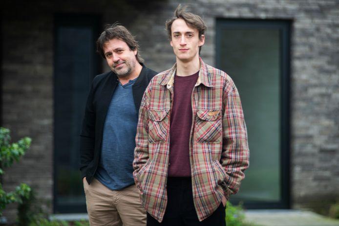 Wim en zoon Witse. Die laatste neemt nu de fakkel over van zijn vader.