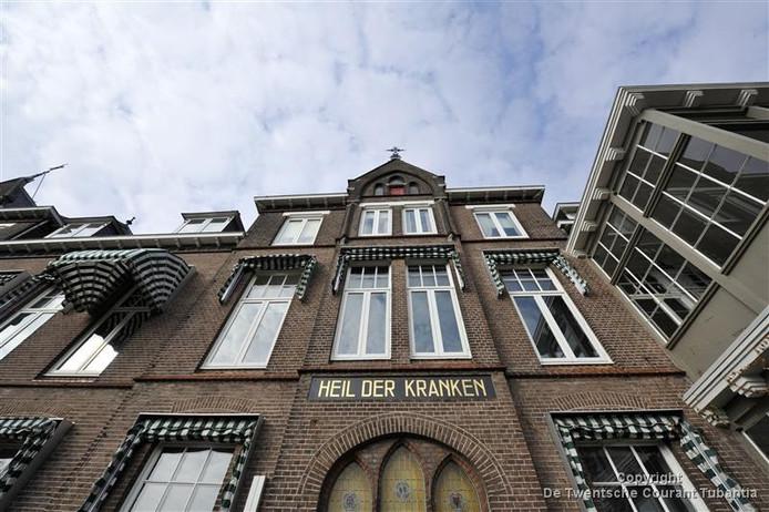 Met ingang van 1 juni kunnen er geen röntgenfoto's meer worden gemaakt in de huisartsenpost bij het ziekenhuis in Oldenzaal.