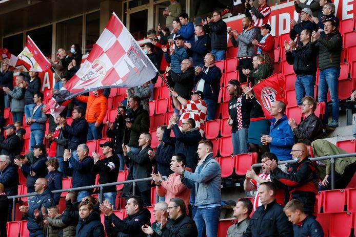 In april mochten 4.000 supporters bij PSV-FC Groningen zijn.