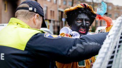 Pegida-voorman en 10 andere demonstranten weer op vrije voeten na arrestatie tijdens intrede Sinterklaas in Nederland
