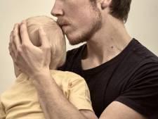 'Moeder' Freddy (32) is man geworden, maar wordt niet erkend als vader van zijn zoon