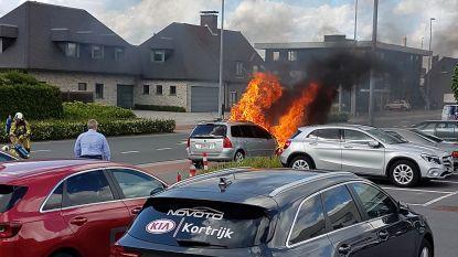Auto brandt uit: voorbereidingen communiefeest in de war gestuurd