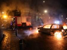 Het bleef één avond rustig, nu is het opnieuw raak: ondanks noodverordening autobrand in Veen