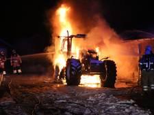 Schuur blijft ongeschonden bij tractorbrand