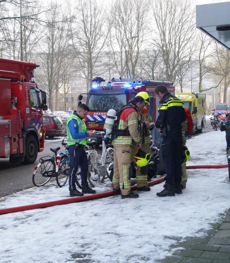 Twee mensen naar ziekenhuis na brand in Reviusrondeel in Capelle