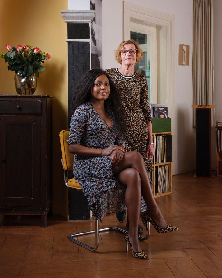 Iris van Lunenburg (35) en haar moeder Margien Bischoff (72) Beeld Erik Smits