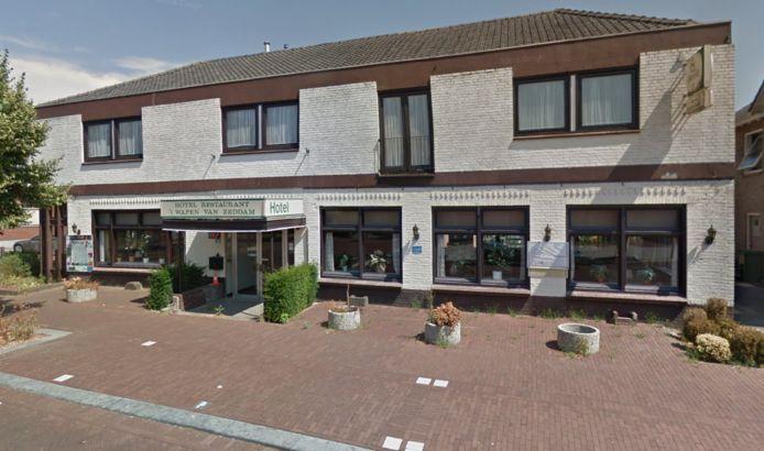 Hotel Het Wapen van Zeddam staat geruime tijd leeg. De gemeente Montferland wil vooralsnog niet dat er arbeidsmigranten worden gehuisvest.
