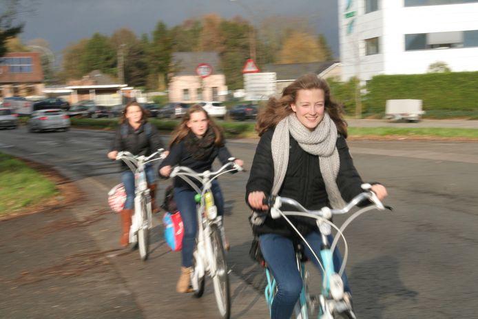 De aanleg van de langverwachte nieuwe fietsverbinding tussen Sint-Niklaas en Temse gaat volgende maand van start.