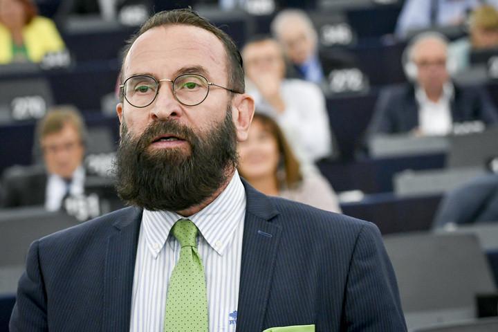 József Szájer, 59 ans, était présent à la fête.