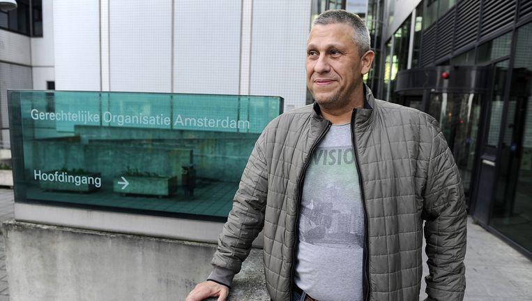 Ex-crimineel Martin Kok bij de rechtbank, waarvoor hij moet verschijnen na het publiceren van verklaringen uit het Holleeder-dossier. Beeld anp
