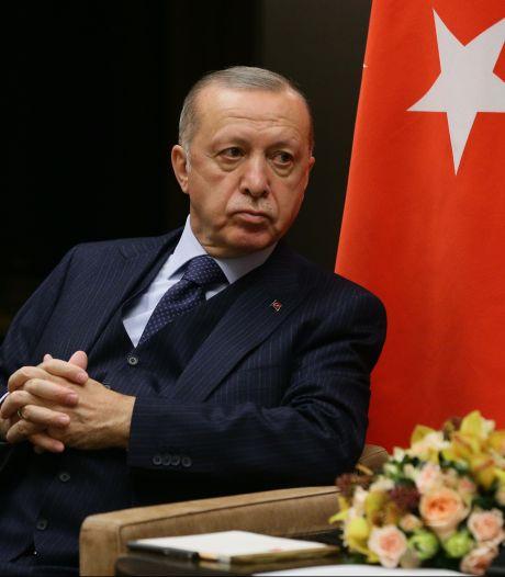 Knapen: Nederland staat nog altijd achter oproep aan Erdogan om activist Kavala vrij te laten