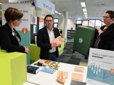 Ouderen kunnen voor vragen over corona-app terecht bij bibliotheken