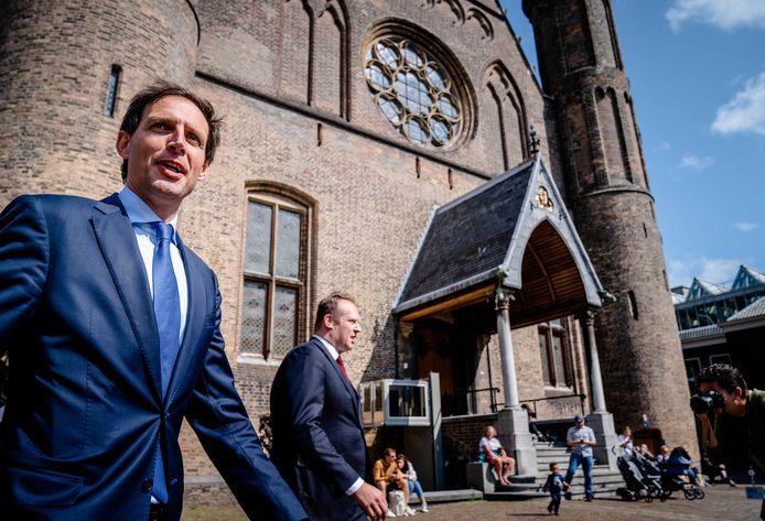 Wopke Hoekstra (CDA) en Pieter Heerma (CDA) op het Binnenhof .