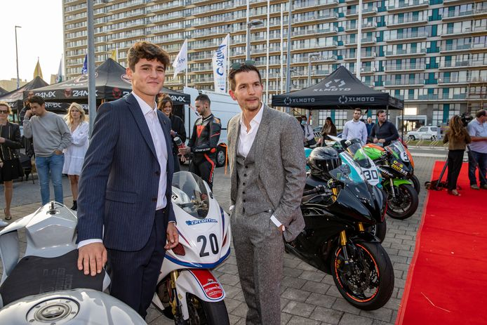 Valentijn Braeckman en Matteo Simoni op de première in Oostende
