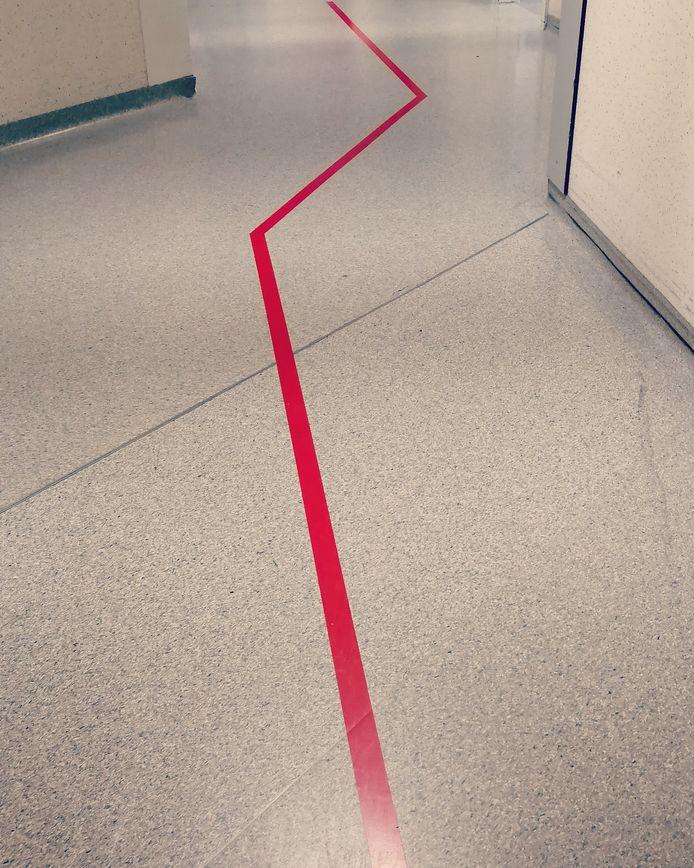 'Rode Lijn Abstrakt' van Nele Merckx.