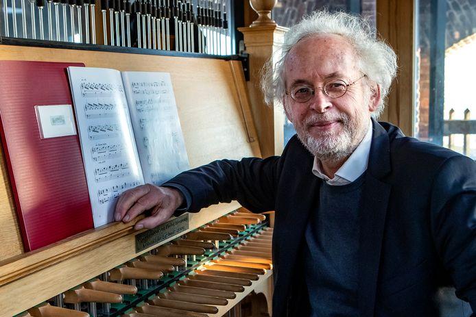 Jan-Willem Achterkamp, ook voormalig stadsbeiaardier van Deventer, had een breed repertoire en haakte vaak in op thema's en de actualiteit.