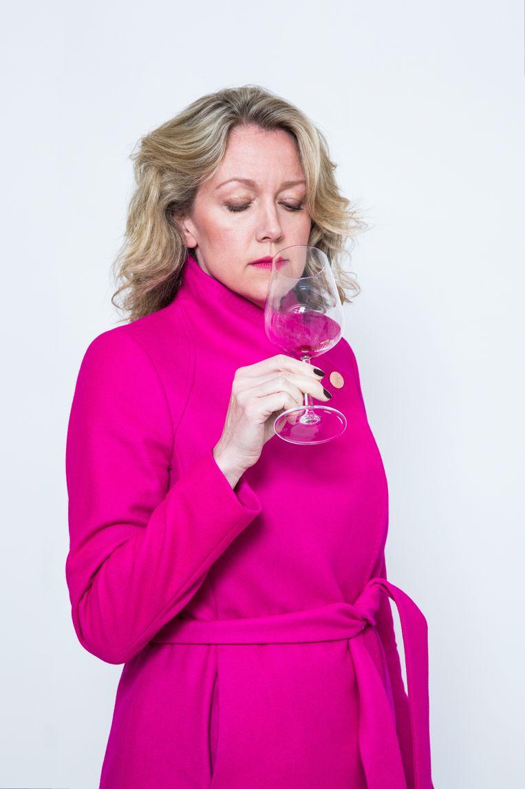 Jacqueline van Lieshout: 'Het probleem wordt als een strandbal onder water gehouden, omdat iedereen zelf te verzot is op drank.Ook artsen.' Beeld Lotte Bronsgeest