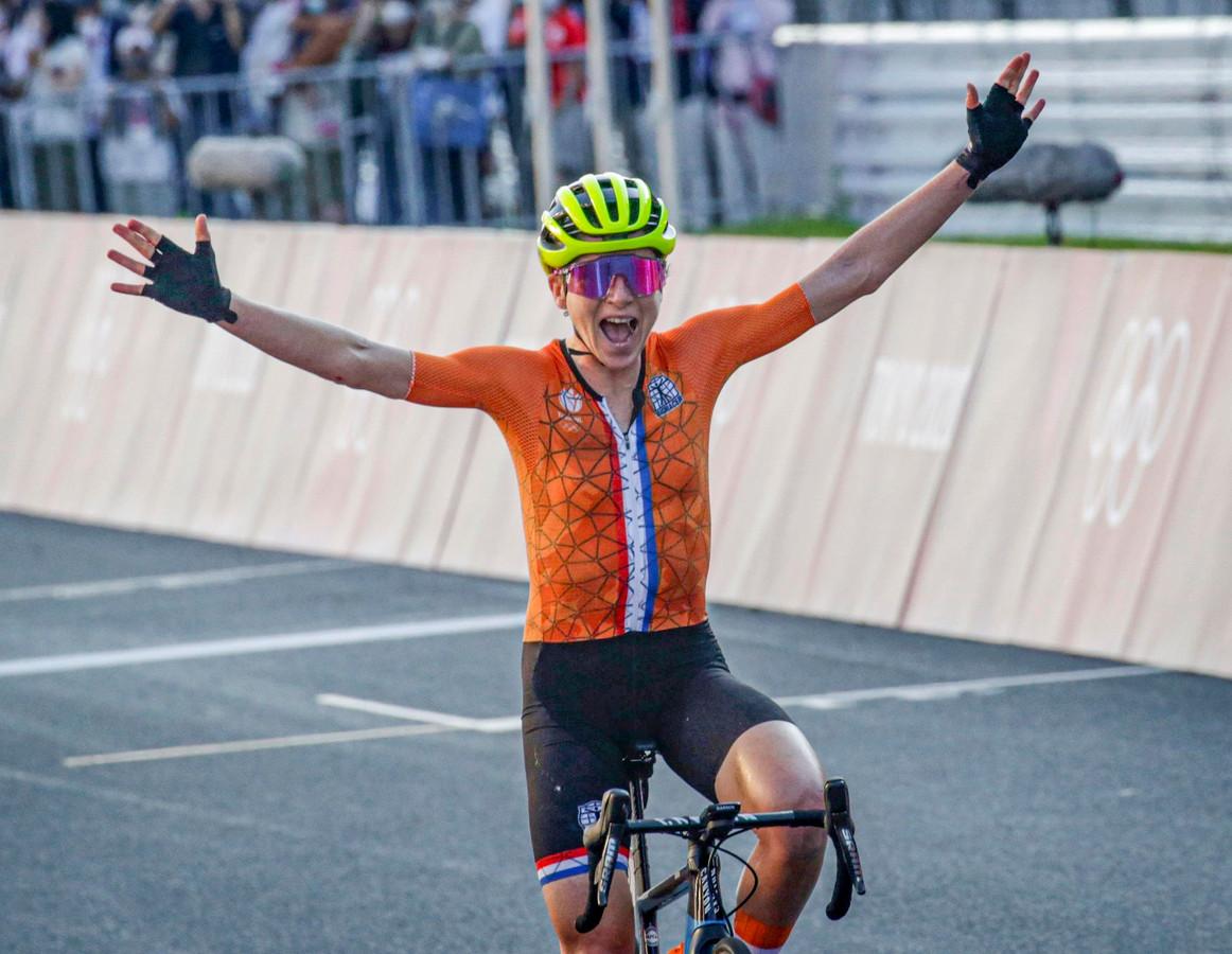 Pendant quelques instants, Annemiek van Vleuten a crû être championne olympique.