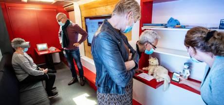 Robotkat voor mensen met dementie: 'Een echt huisdier is geen optie'
