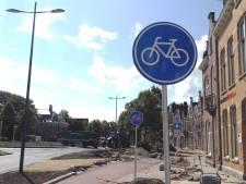 Straatbeeld: Nieuw fietspad, lekker kort.