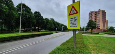 Oostzeestraat in Kampen vreest komst klinkers : herinrichting zou voor nog meer geluidsoverlast zorgen