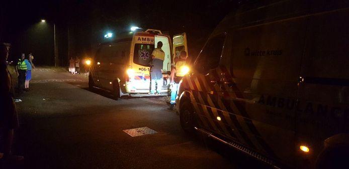 Hulpdiensten in actie na het ongeval in Aalten.