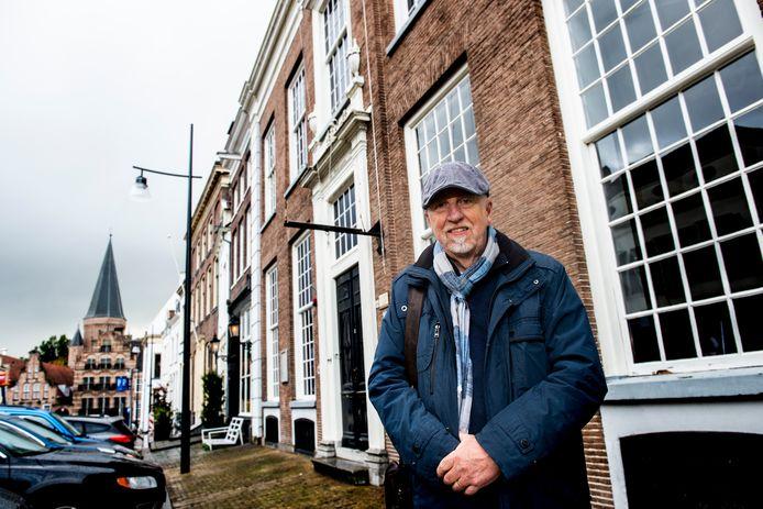 Secretaris van het Humanistisch Verbond Zutphen Sjoerd Schaaf: ,,Zutphen is heel geschikt voor wandelingen, maar een humanistische versie was er nog niet.''