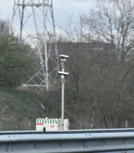 Dit is waarom er sinds deze week camera's langs de A35 bij Enschede-Zuid staan