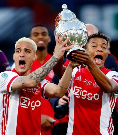 Invaller Neres schiet Ajax in blessuretijd naar bekerzege tegen tiental Vitesse