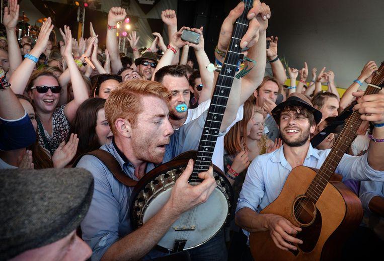 De band CC Smugglers, zaterdag op Lowlands. Beeld Marcel van den Bergh / de Volkskrant