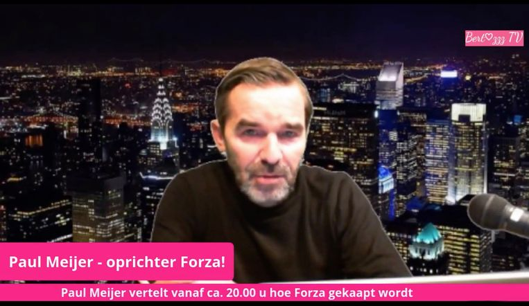 Paul Meijer, oprichter van Forza! tijdens de live-uitzending op Facebook. Beeld