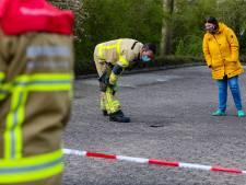 Gluurgaatje verraadt forse holte: Apeldoornse straat dreigt te verzakken