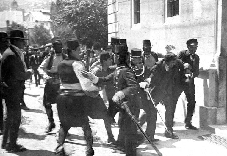 De arrestatie van Gavrilo Princip. Beeld PHOTO_NEWS