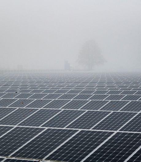 Boeren in Hellendoorn zien aanleg zonneparken niet zitten, liever 'zon op dak'