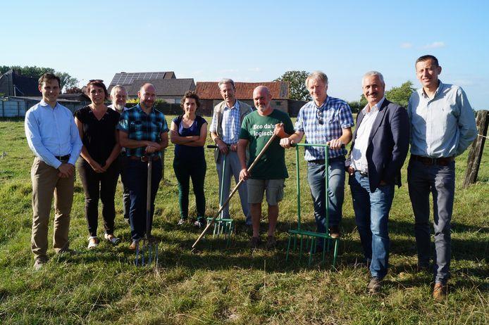 De werkgroep achter de nieuwe volkstuintjes in Tielt.