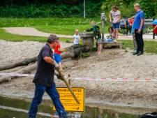 Waterspeelplek in Dordrecht afgezet na dood van twee eenden: 'Waarschijnlijk botulisme in water'