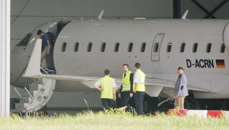 Het vliegtuig met aan boord vermoedelijk de VN-inspecteurs die in Syrie onderzoek hebben gedaan naar het gebruik van chemische wapens is aangekomen in Nederland. Het vliegtuig landde op luchthaven Rotterdam The Hague Airport. Beeld anp