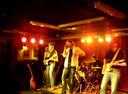 Seppo met de band Missile Ten tijdens een van de laatste optredens.
