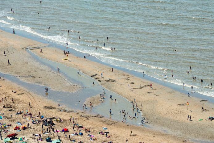 Een tropische stranddag in Katwijk in 2015