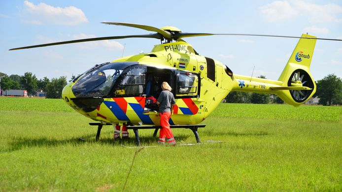 Een traumahelikopter rukte uit naar het ongeval in Helmond.