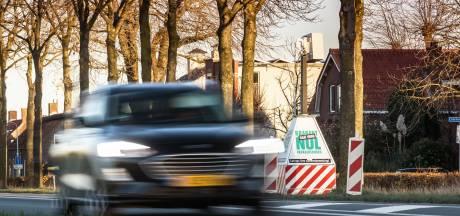 Kruising Langeweg: 'Ze racen hier als gekken'