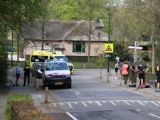 Wielrenner rijdt voetgangster aan in Rozendaal: beiden gewond naar ziekenhuis