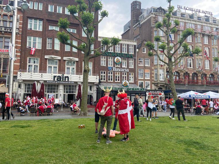 Feestgedruis op Rembrandtplein.  Beeld Madelief van Dongen