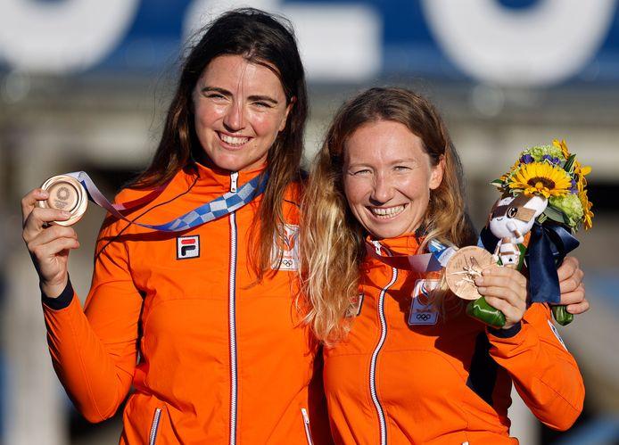 Brons: Annemiek Bekkering en Annette Duetz (zeilen, 49er FX, vrouwen)
