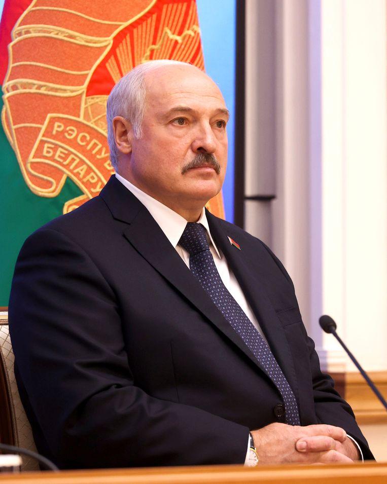 De president van Belarus, Aleksandr Loekasjenko, slaat ook internationaal om zich heen. Beeld AP