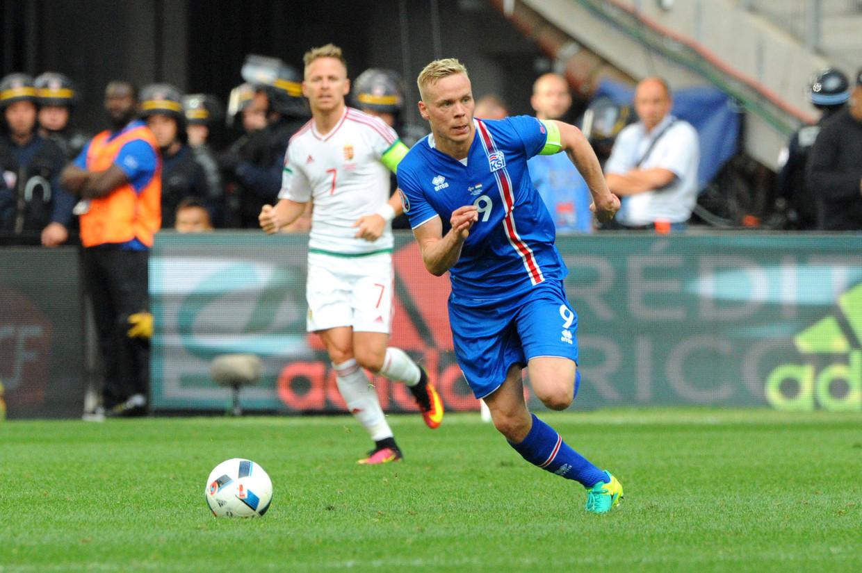 Dé hoofdrolspeler in het IJslandse misbruikschandaal: Kolbeinn Sightórsson (31), in een match enkele jaren geleden tegen Frankrijk. Beeld BELGAIMAGE